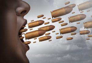 言葉の暴力を使うモラルハラスメントに対しては「私を傷つけることは許さない」という気持ちを持って言葉を受け取らないことが大事です。被害者は相手の言葉をすぐに受け取りやすい。