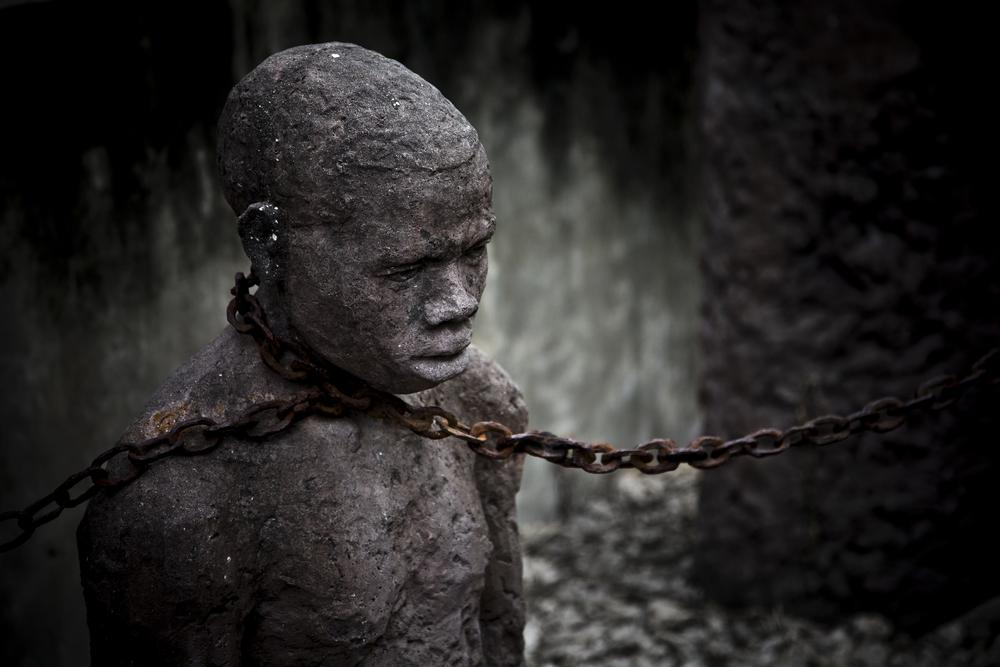 誰かに支配されて心理的な奴隷となって生きると、心はどんどん苦しくなっていく。